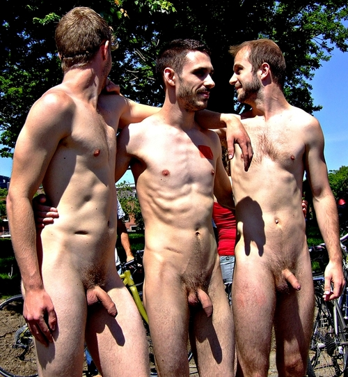 Men Nude In Public Videos
