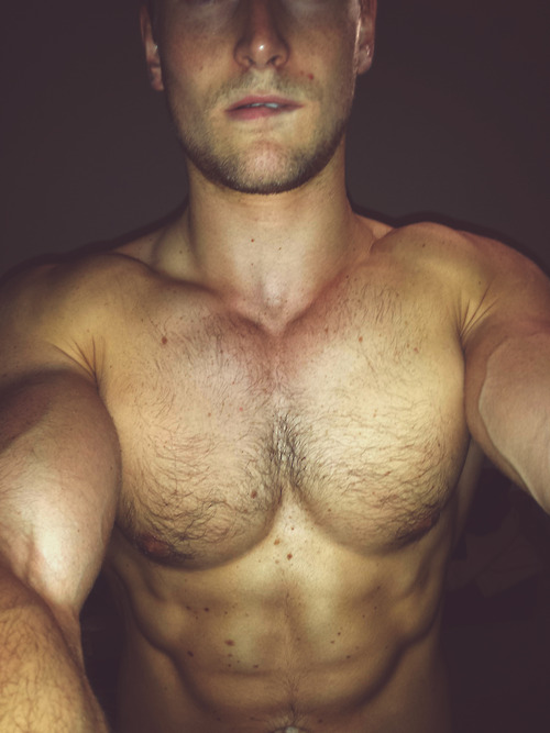 Sexy Muscle Non Nude Guy