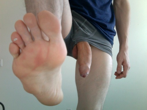 straight guy big dick and foot