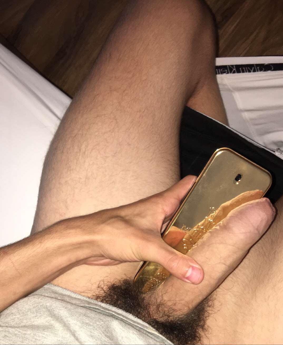 naked phone pics men