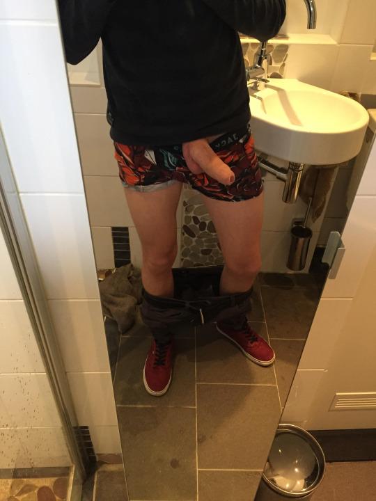 Uncut jocks in the toilet
