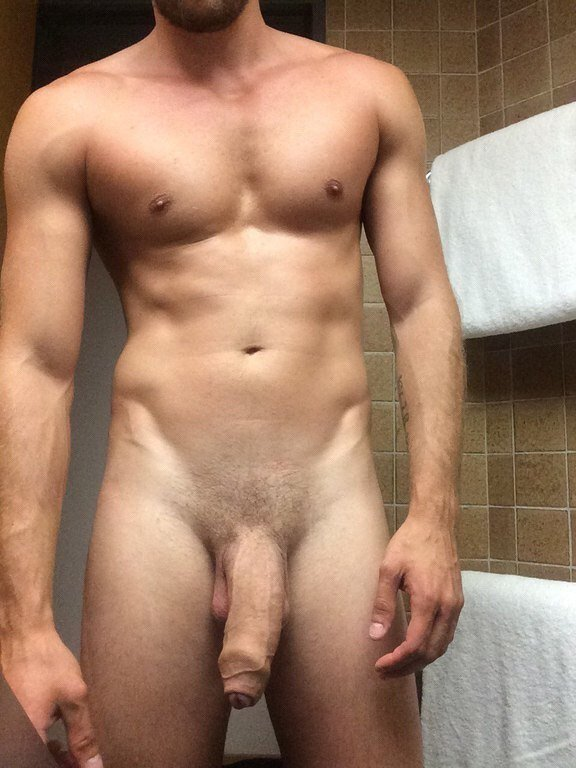 Amateur naked men