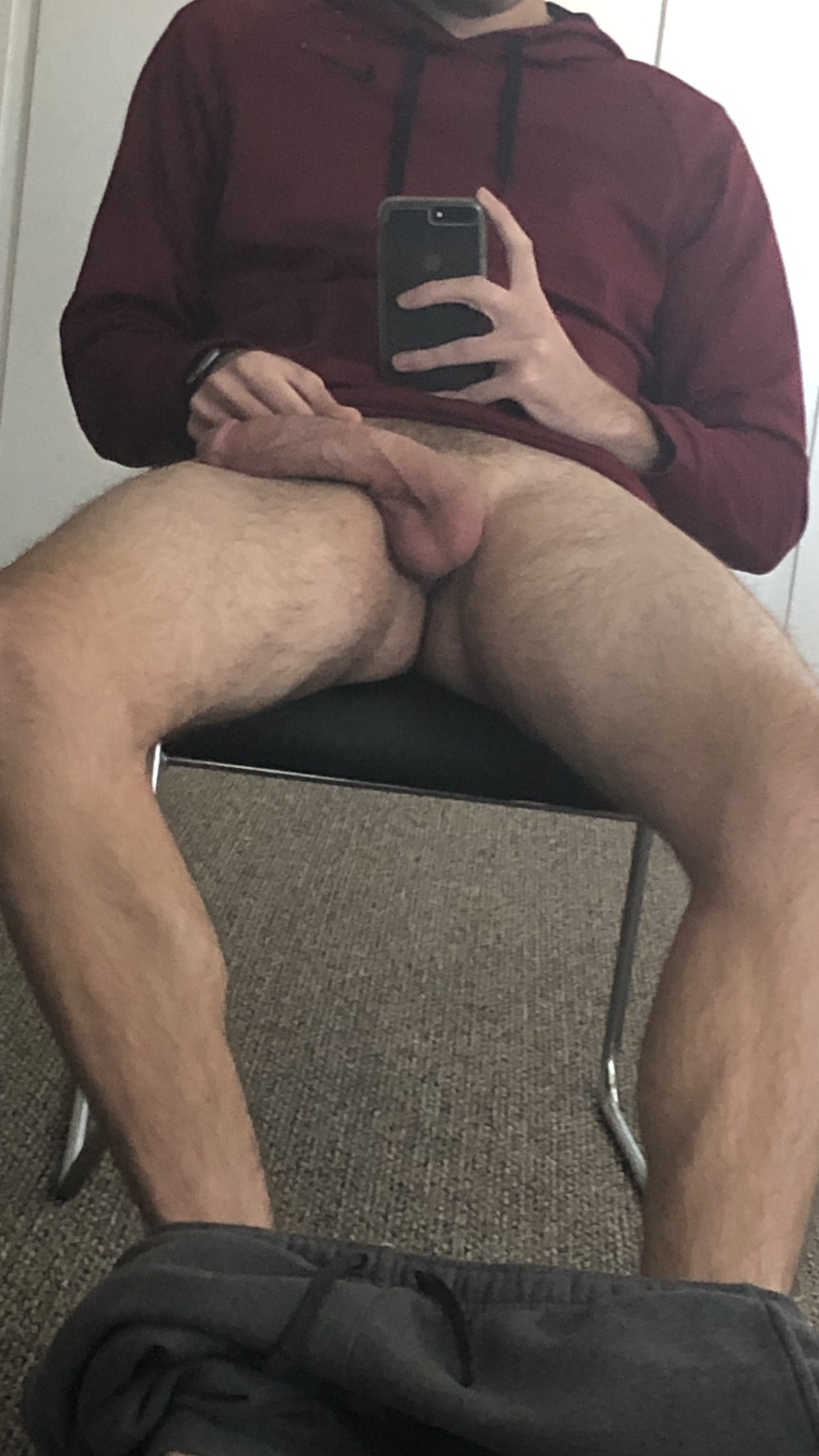 A perfect selfie in the mirror showing my cock