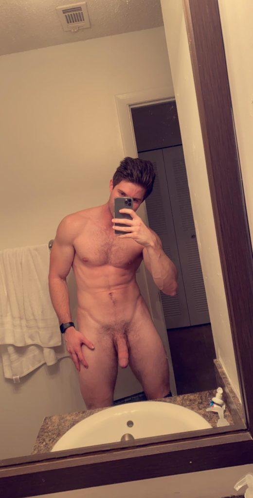 Girl nude guys take phone pics con