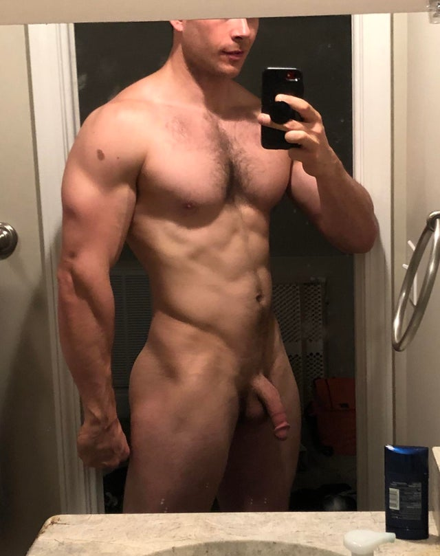 Muscle guy soft cut dick